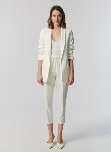 Monamoda Kolu Büzgülü Astarlı Blazer Ceket Beyaz